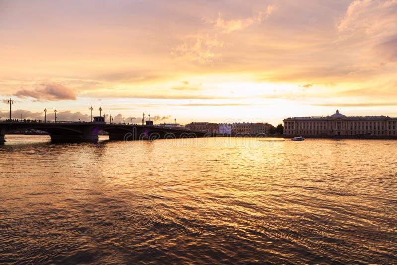 通告桥梁在圣彼德堡 免版税库存照片