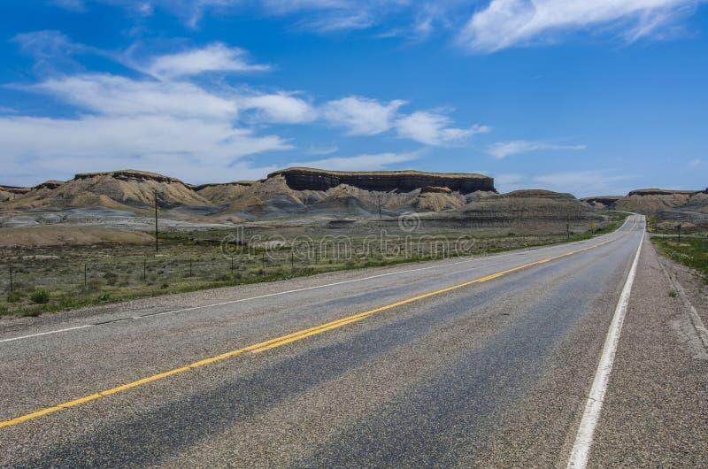 通往大峡谷的路。通往亚利桑那州大峡谷之路 库存照片