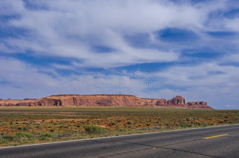 通往大峡谷的路。通往亚利桑那州大峡谷之路 库存图片