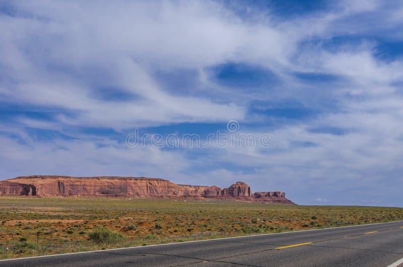 通往大峡谷的路。通往亚利桑那州大峡谷之路 免版税库存图片