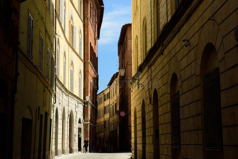 通过圣玛尔定堂,锡耶纳,托斯卡纳,意大利 免版税库存照片