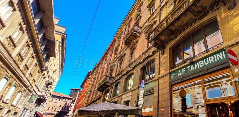 通过Caprarie波隆纳意大利的Tamburini餐馆 免版税库存图片