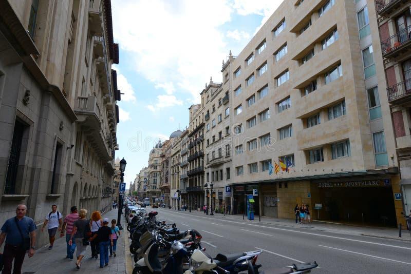 通过Laietana,巴塞罗那耶路撒冷旧城,西班牙 免版税库存图片
