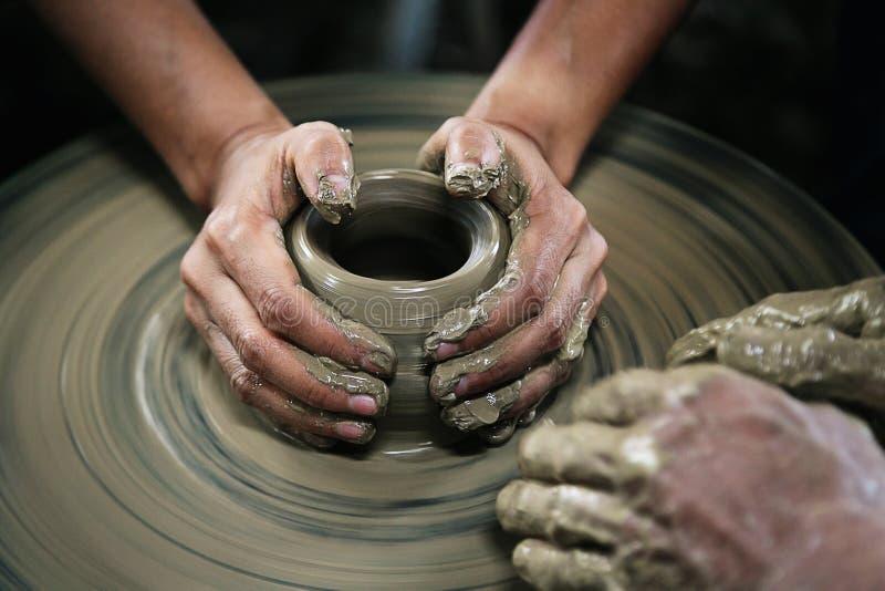 Download 造型黏土花瓶 库存图片. 图片 包括有 手工造, 技艺家, 艺术, 造型, 专门技术, 征收, 创造性, 工艺 - 72366541