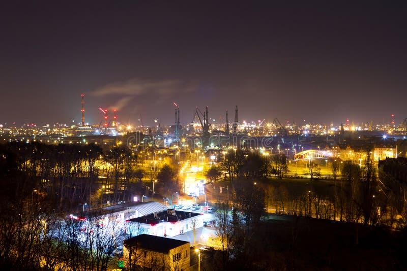 造船厂在格但斯克在晚上,波兰 免版税库存图片