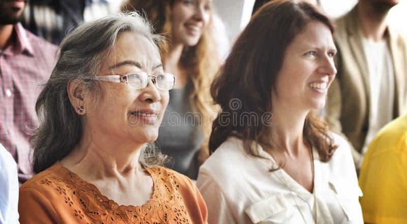 遇见会议研讨会观众概念的人们 库存照片