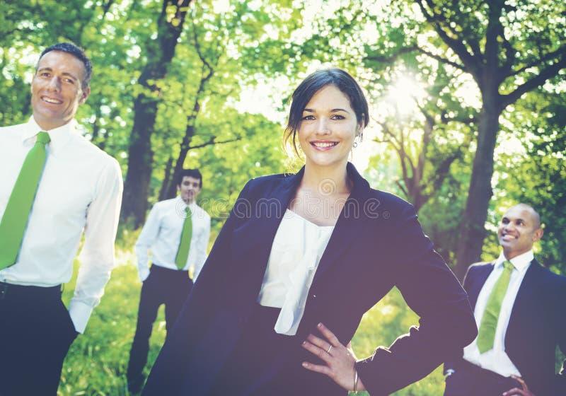 遇见环境概念的绿色企业队 免版税库存照片