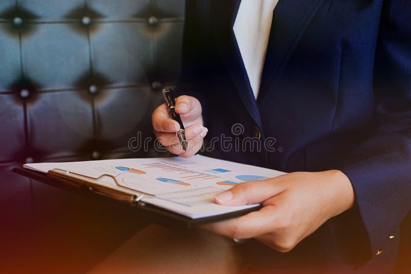 遇见设计想法职业投资者worki的商人 库存图片