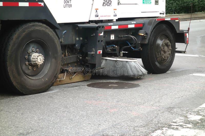 道路清扫工卡车 免版税库存照片