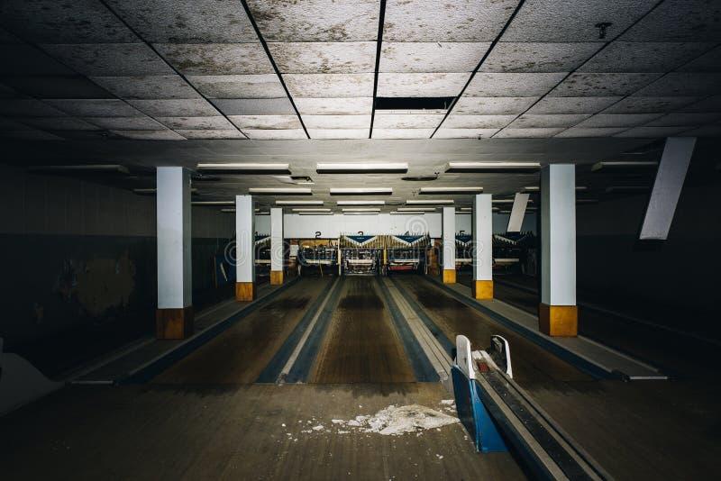 遗弃保龄球场-被放弃的退伍军人医院-匹兹堡,宾夕法尼亚 免版税库存图片