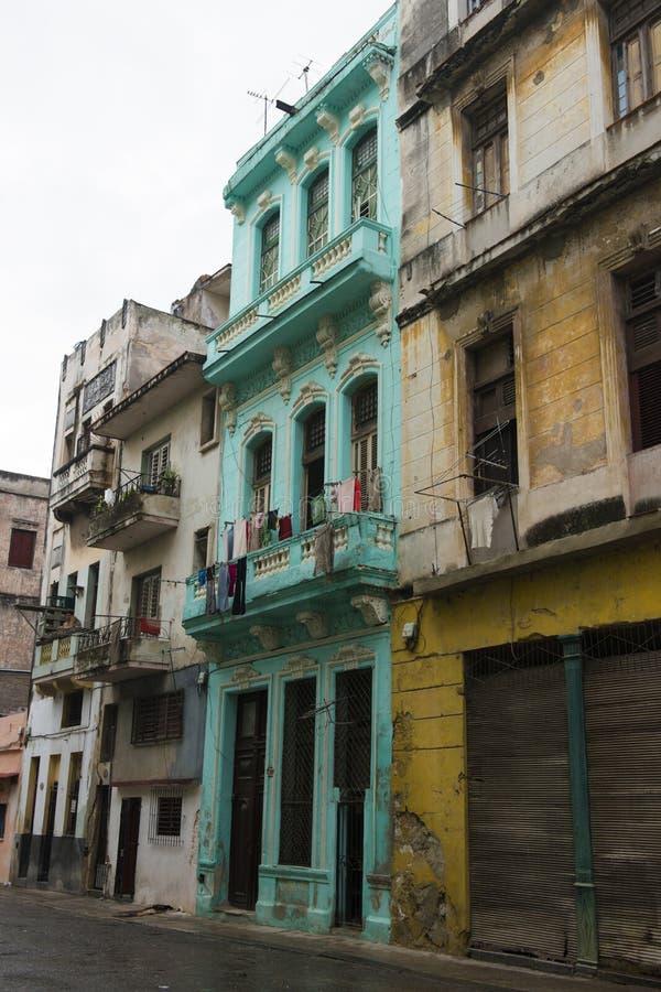 遗弃大厦在古巴 图库摄影