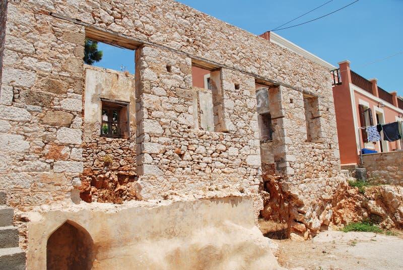 遗弃大厦,哈尔基岛 免版税库存照片