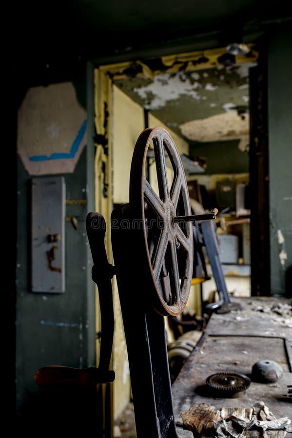 遗弃投射设备&卷轴-被放弃的杂耍剧场-克利夫兰,俄亥俄 库存照片