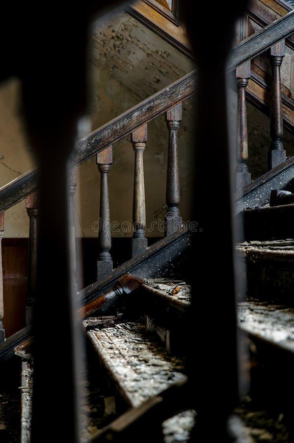 遗弃楼梯- Alderson学院-西维吉尼亚 免版税库存照片