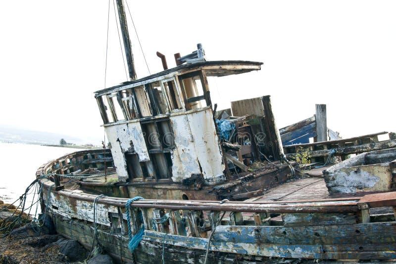遗弃渔拖网渔船 库存图片