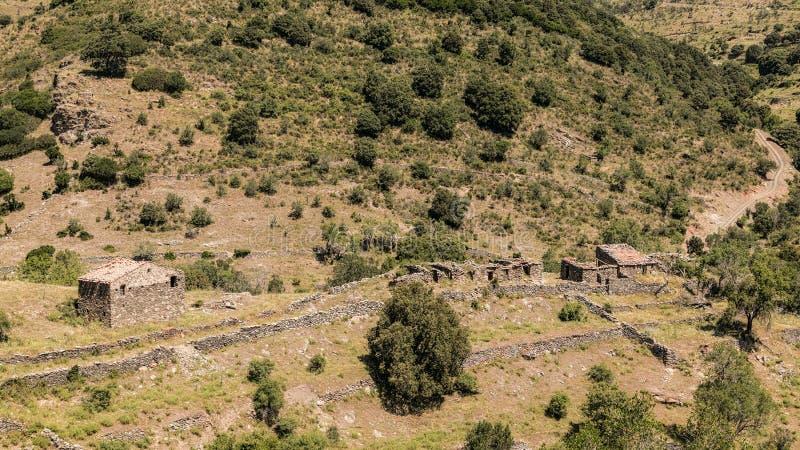 遗弃石农舍在可西嘉岛的Balagne地区 免版税库存图片