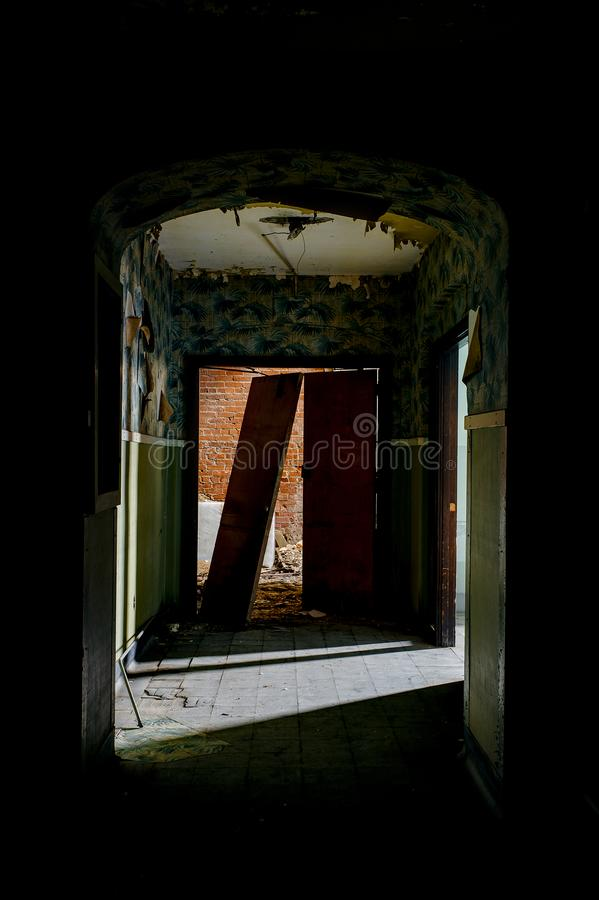 遗弃走廊-被放弃的Statts医院-查尔斯顿,西维吉尼亚 库存图片