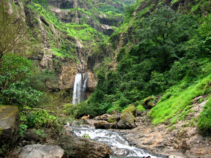 遥远的marleshwar场面瀑布 库存图片
