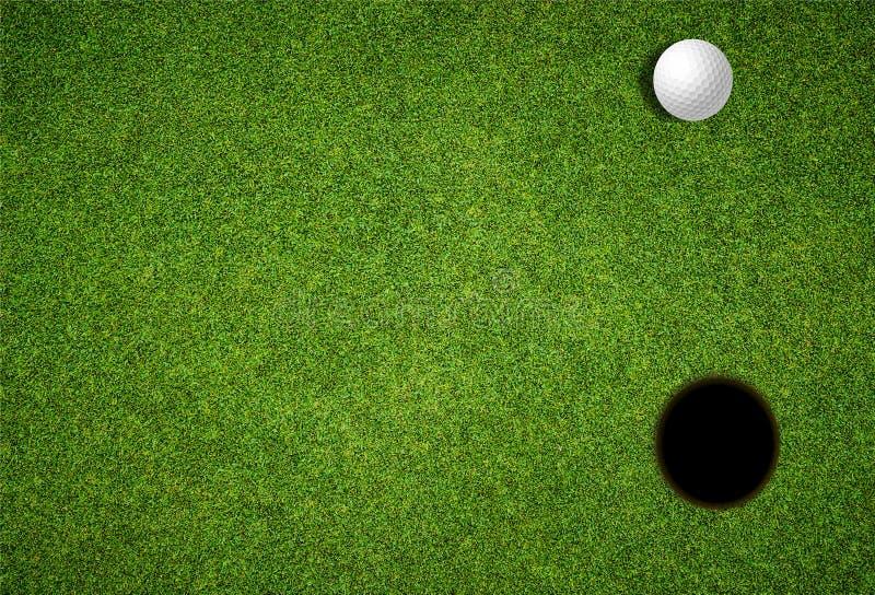 邀请你参加高尔夫日活动,在草坪上看高尔夫球和洞 免版税图库摄影