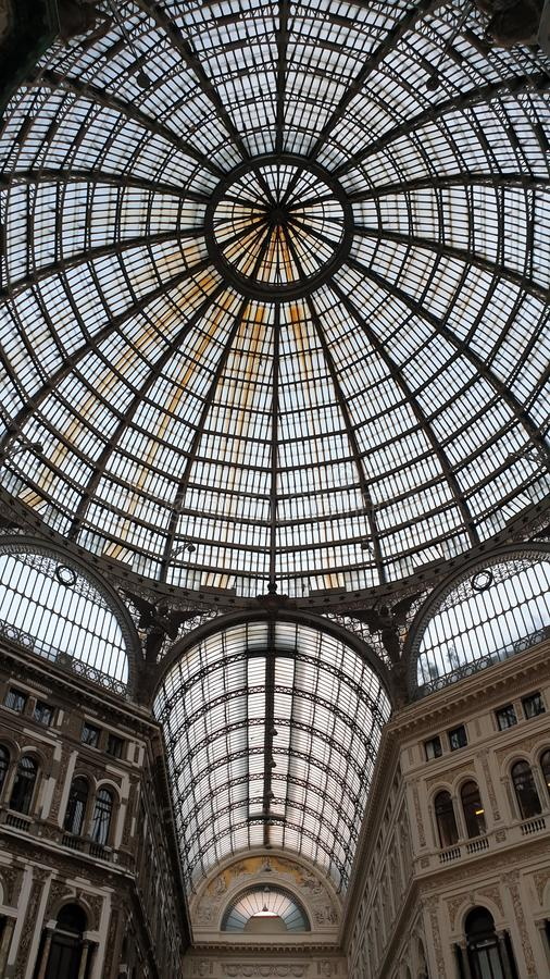 那不勒斯圆顶场所翁贝托一世 免版税库存图片