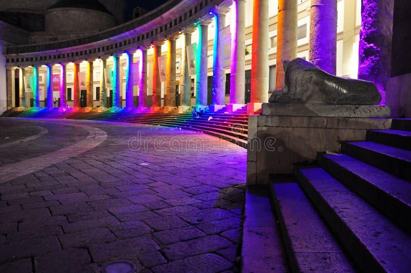 那不勒斯,广场Plebiscito在晚上,同性恋自豪日 免版税图库摄影