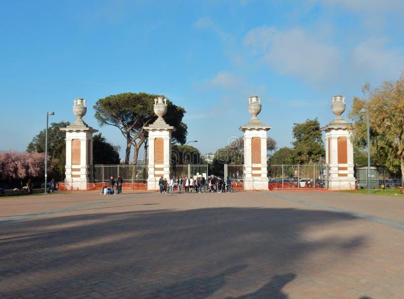 那不勒斯-对Virgilian公园的入口 库存照片