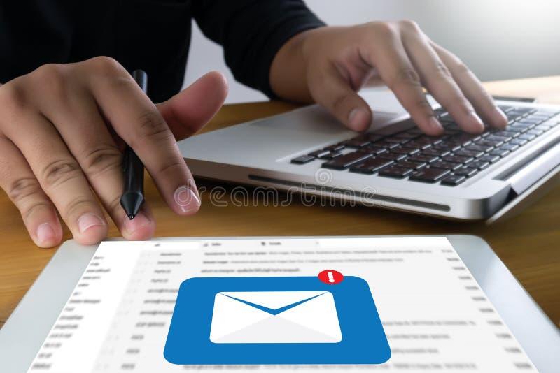 邮件通信对邮寄的连接消息与电话联系 向量例证
