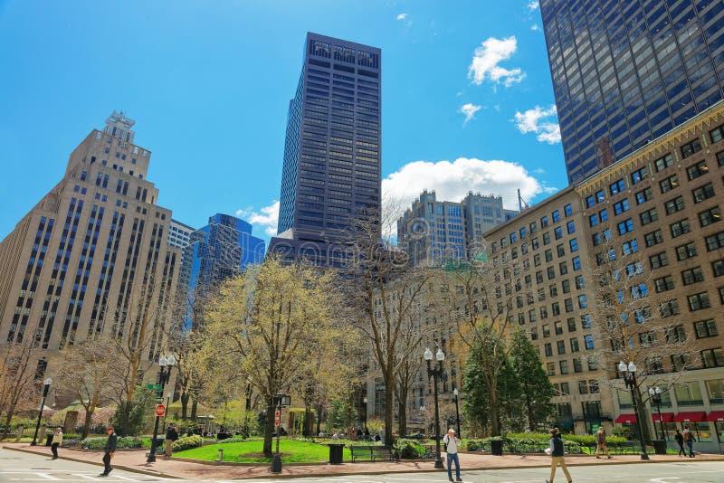 邮局正方形和地平线与摩天大楼在街市波士顿 库存图片