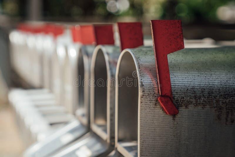 邮箱线与红旗的 免版税库存图片