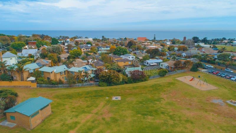 郊区和象草的公园海洋岸的 库存照片