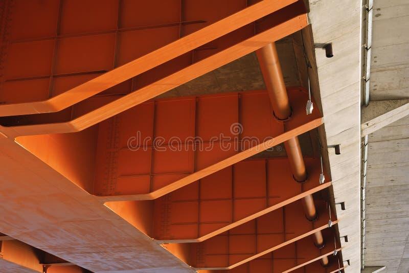 部分橙色颜色桥梁  免版税图库摄影