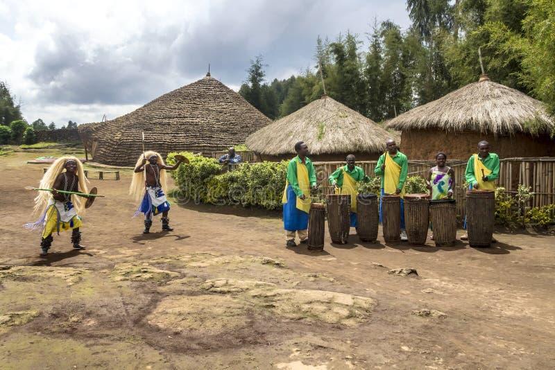 部族的舞蹈演员 库存照片