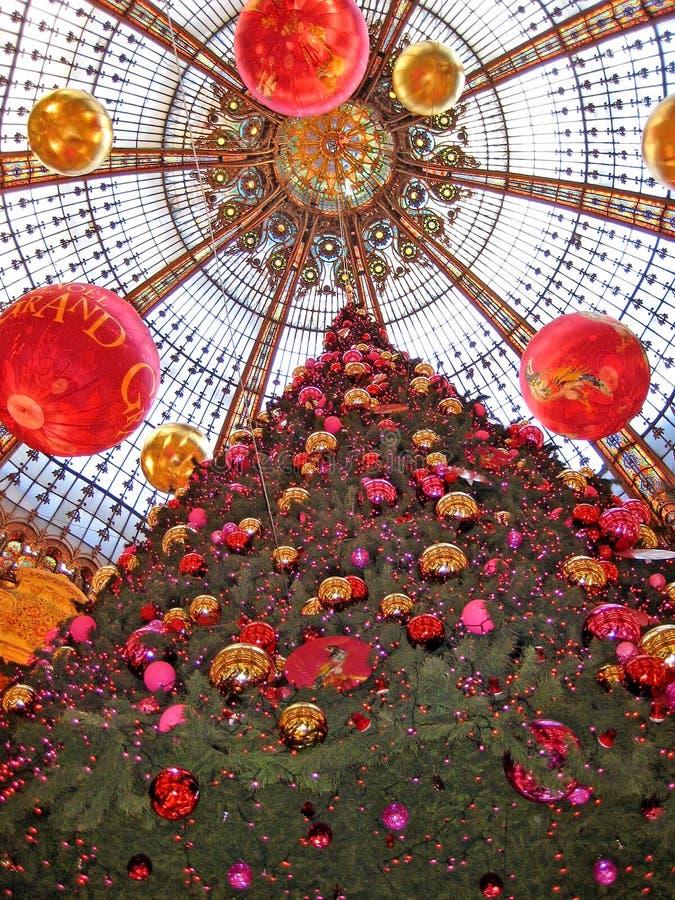 部门商店La Fayette,自圣诞前夕的巴黎 库存图片