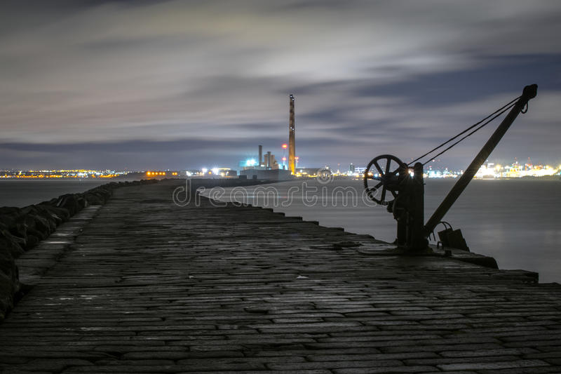 都伯林船坞, Poolbeg灯塔 图库摄影
