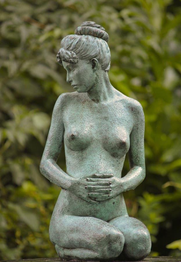 都伯林雕象妇女 免版税库存照片