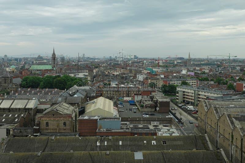 都伯林,爱尔兰都市风景在一阴天 库存图片