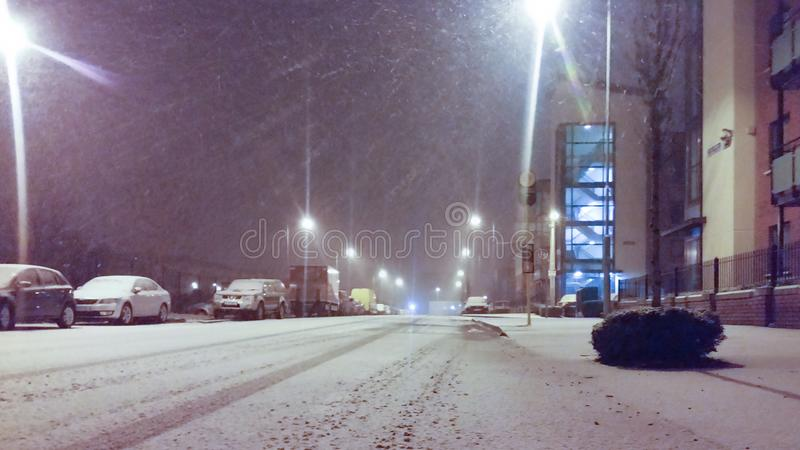 都伯林,爱尔兰-下雪在晚上 免版税库存图片