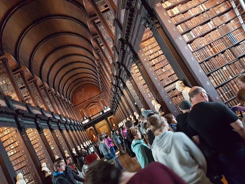 都伯林dublino三位一体学院人biblioteca图书馆 免版税图库摄影