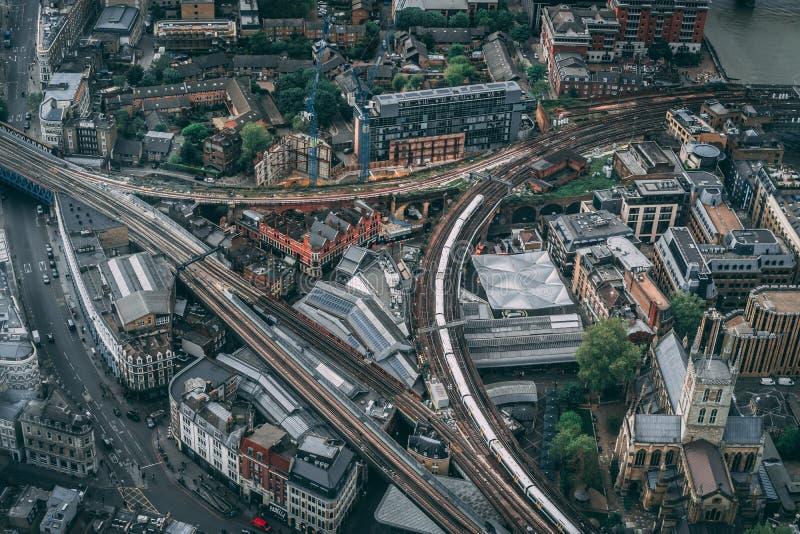 都市城市的空中射击日出的 库存照片
