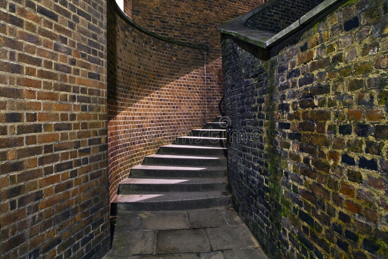 都市楼梯在巷道 图库摄影