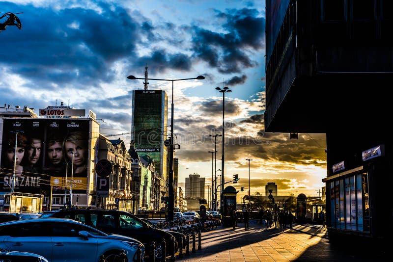 都市的日落 免版税库存照片