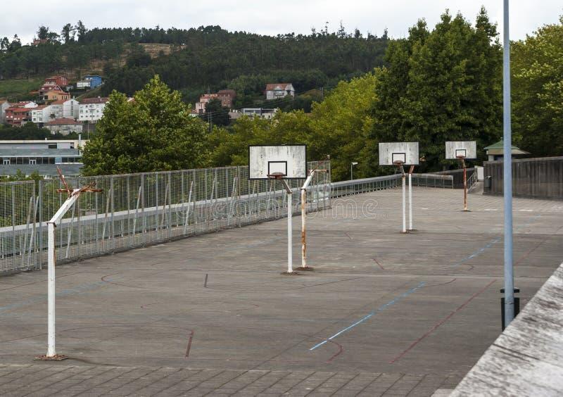 都市的篮球场 免版税库存照片