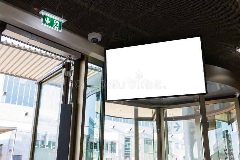 都市空白的广告空间白色被隔绝的屏幕标志Adverising Commu 免版税库存图片