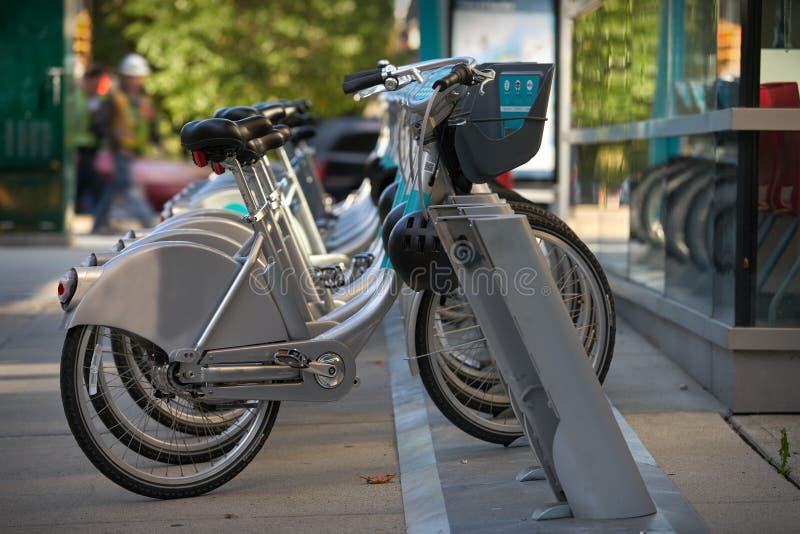 都市自行车份额自行车 免版税库存照片