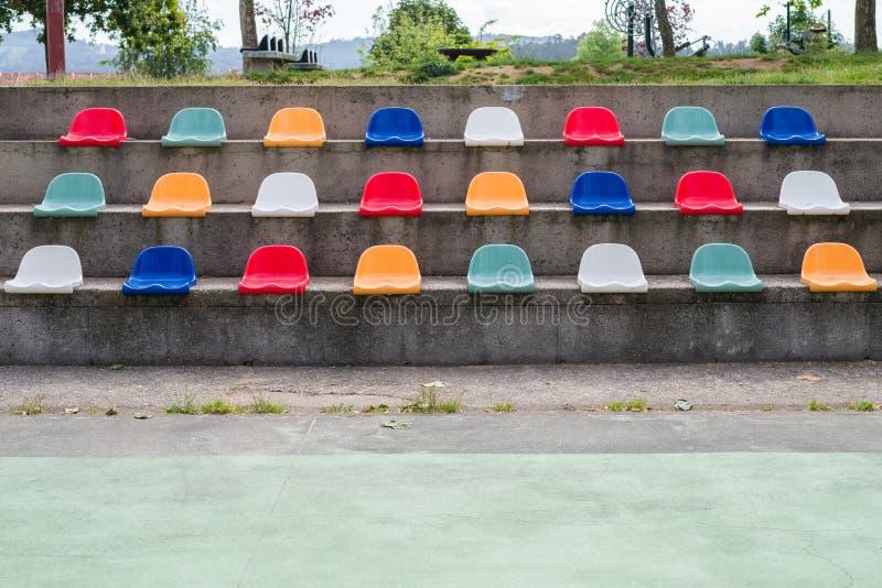 Download 都市运动场论坛 库存照片. 图片 包括有 塑料, 非典型, 就座, 透视图, 图象, 城市, 橄榄球, 消遣 - 72368484