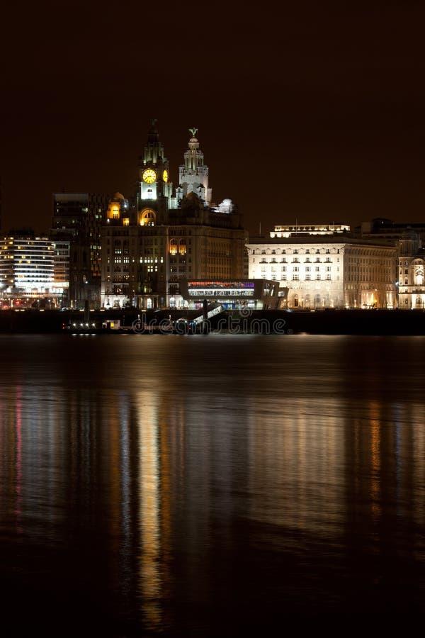都市风景利物浦晚上 免版税库存图片