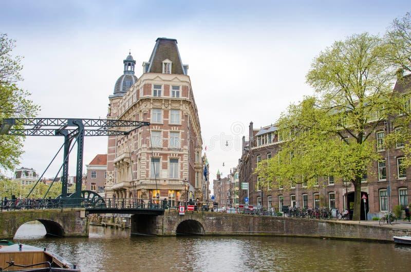 都市风景在阿姆斯特丹,荷兰,欧洲 开辟brid 库存照片