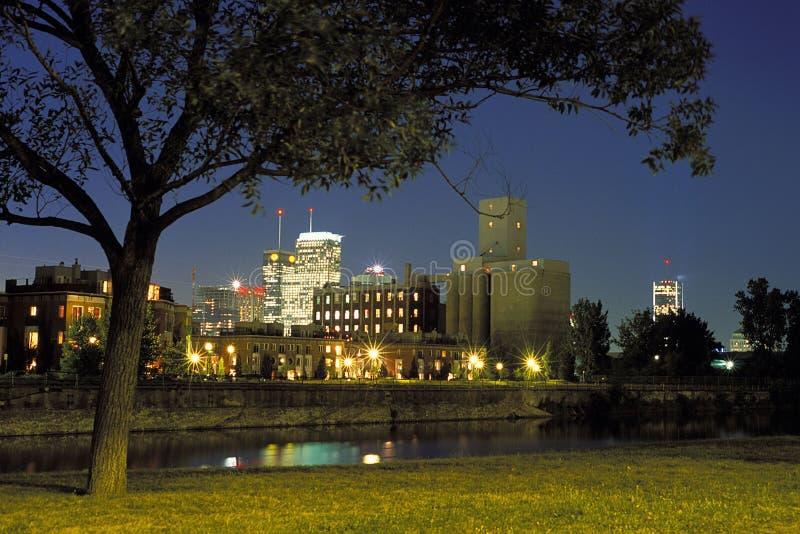 都市风景夜间蒙特利尔 图库摄影