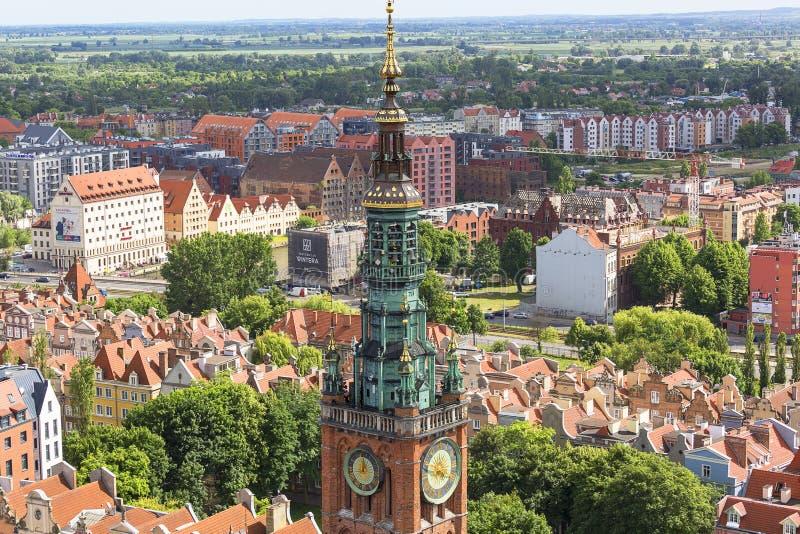 都市风景,老城市的鸟瞰图,城镇厅,格但斯克,波兰塔  免版税库存图片