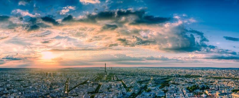 Download 都市风景巴黎 库存图片. 图片 包括有 法国, 地标, 晒裂, 都市, 风景, 城市, 巴黎, 埃菲尔, 通风 - 62527847